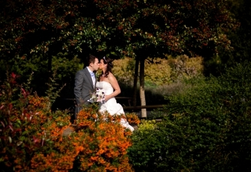 Wedding-Millets Farm-Kissing Couple